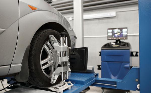 Wheel Alignment Lake Elsinore CA - Advanced Auto Care